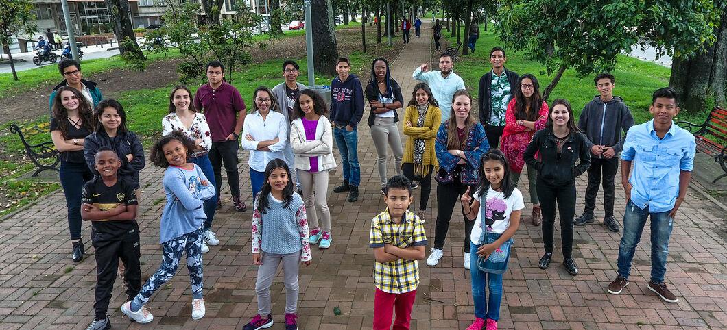 Kolumbianische Jugendliche Hat Spaß